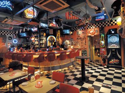 沖縄 Bar & Diner Cocoa