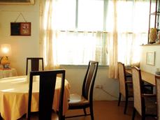 ベーカリー&カフェ 小さなお茶会(Bakery & Cafe 小さなお茶会)